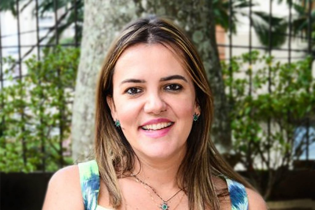 Dra. Elisa Andrade